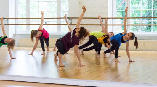 Tanzworkshop in Breakdance, Ballett, Tanzakrobatik, oder was das Geburtstagkind sich wünscht